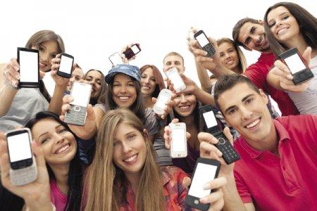 Смартфоны в России стали популярнее обычных мобильных телефонов
