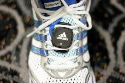Samsung и Adidas выпускают телефон для тренировок miCoach