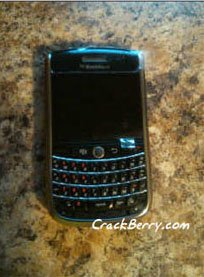 "BlackBerry 9630 Niagara ""живьем"""