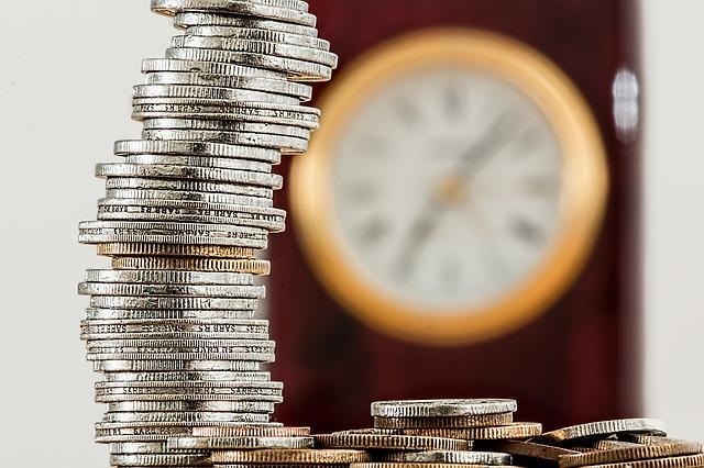 Индексация зарплат и пенсий из за коронавируса — кому и на сколько поднимут?