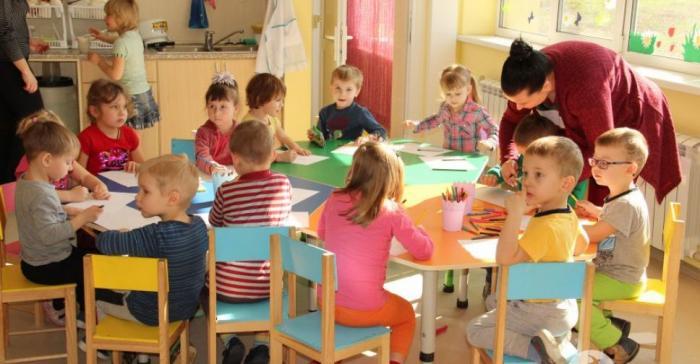 Когда полностью откроют детские сады после карантина: летом или с 1 сентября 2020 года в России