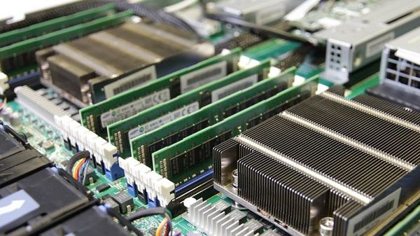 В чем разница между оперативной памятью DDR3 и DDR4?