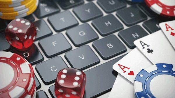 Почему онлайн казино с игровыми автоматами пользуются большим спросом у геймеров?