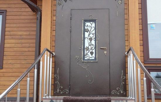 Особенности выбора металлических дверей